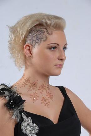 Женские стрижки с выстриженным боком
