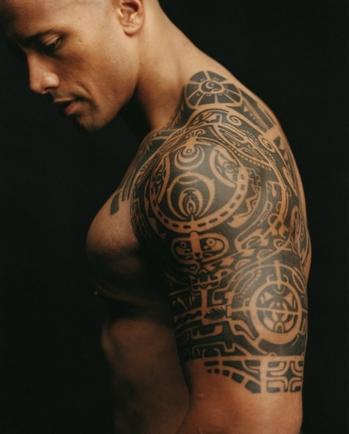 Татуировку на плечо на ваш взгляд